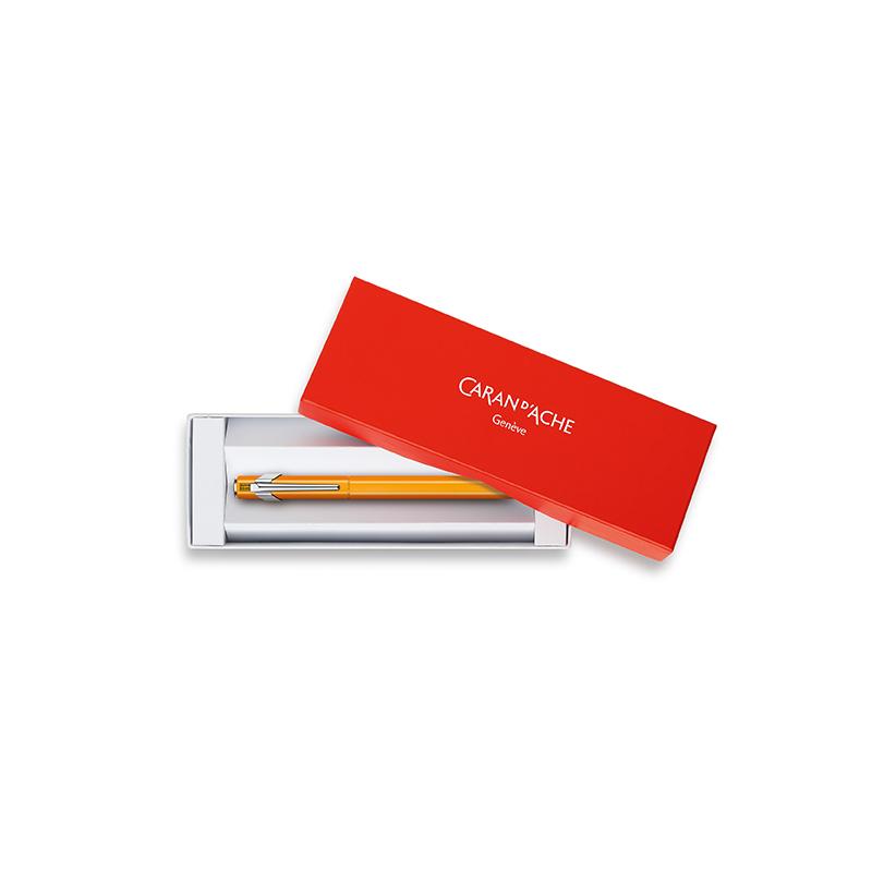 Caran D´Ache Füllhalter 849 CLASSIC LINE Orange Fluo